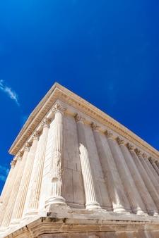 Maison carree templo romano em nimes, frança