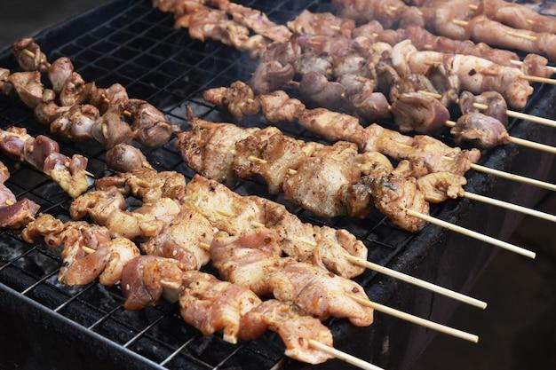 Mala, molho de churrasco de carne de porco de churrasco com pimenta de sichuan, comida de rua tailandês