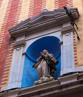 Málaga espanha 19 de junho de 2021 estátua sagrada no centro histórico de málaga