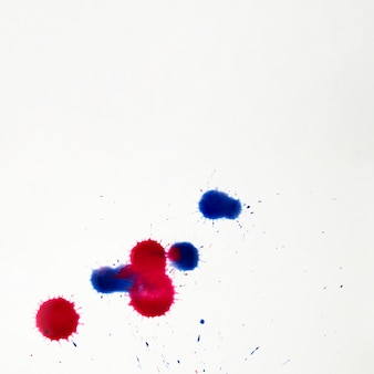 Manchas artísticas coloridas de salpicos de aquarela