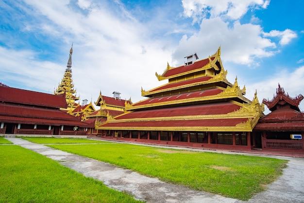 Mandalay palace, localizado em mandalay, myanmar,