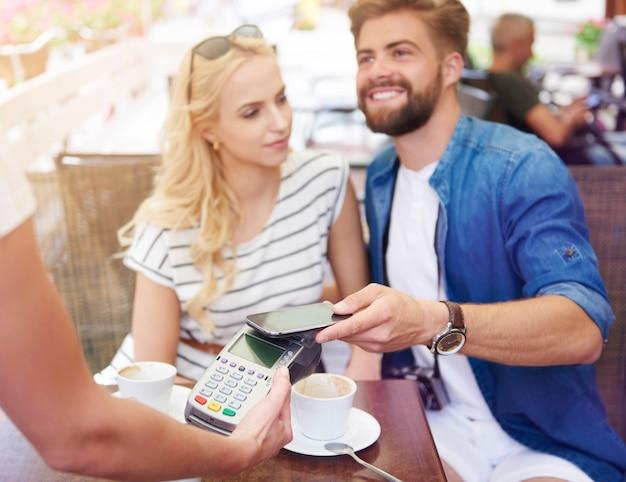 Maneira confortável de pagar contas