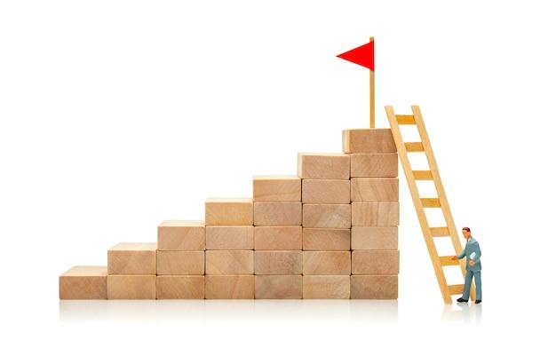 Maneira difícil e fácil de atingir a meta conceito de escolher a solução para atingir a meta carreira
