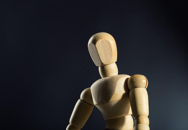 Manequim de madeira humana