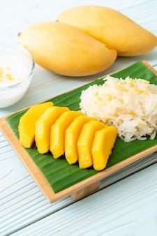Manga com arroz pegajoso
