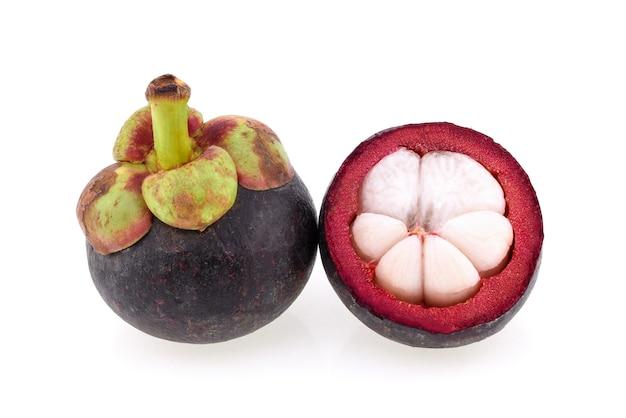 Mangostão rainha das frutas, mangostão isolado