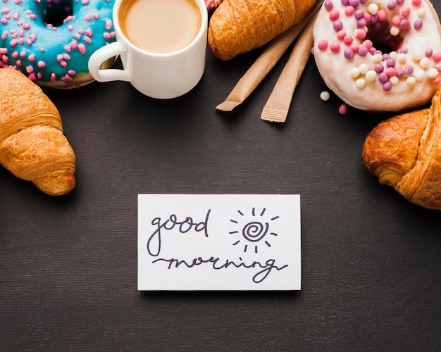 Manhã com lanche doce
