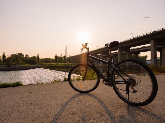 Manhã de esporte em seul, fundo do nascer do sol