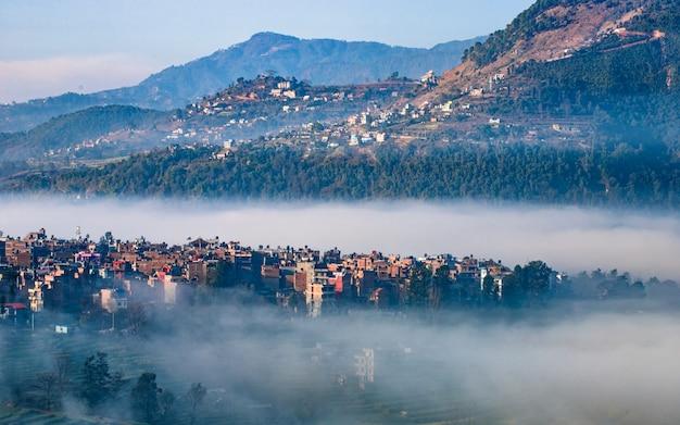 Manhã vista da aldeia de khokana, kathmandu, nepal.