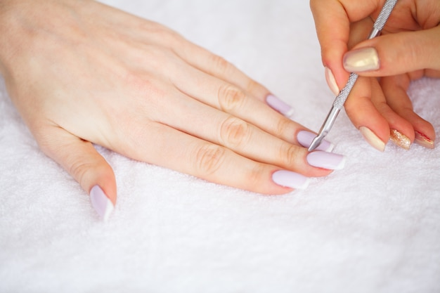 Manicure spa, manicure francesa no salão spa