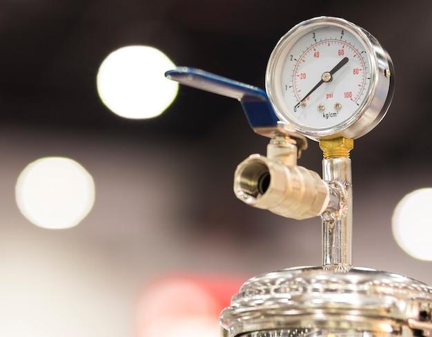 Manômetro para medir a pressão do ar