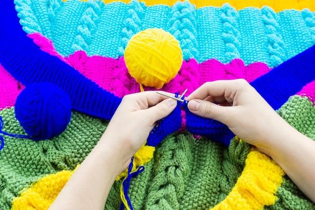 Manta menina tricota agulhas de tricô