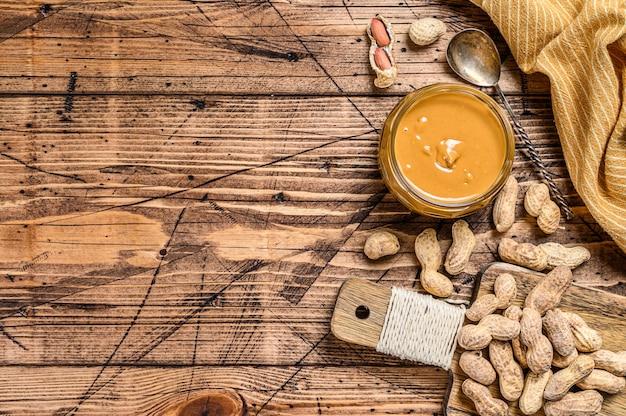 Manteiga de amendoim cremosa fresca