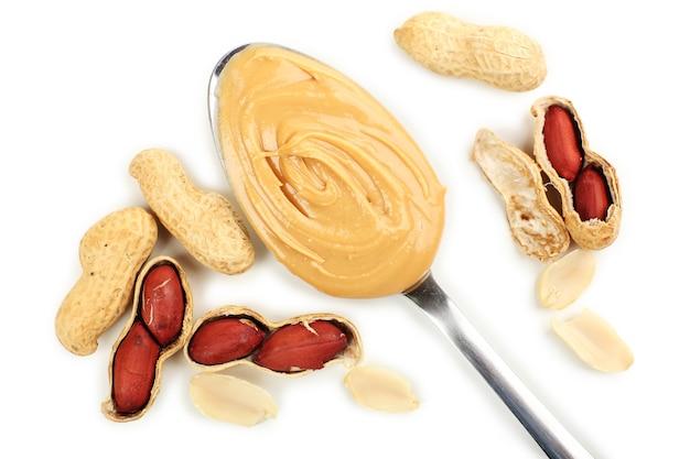 Manteiga de amendoim cremosa na colher