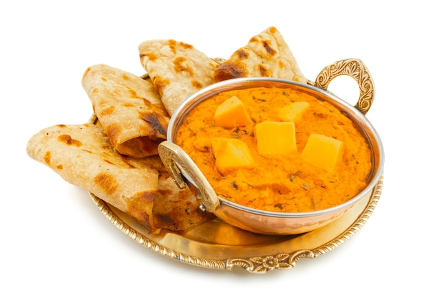 Manteiga de queijo de cozinha popular indiana masala servida com tandoori roti
