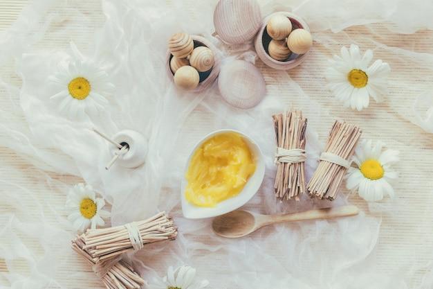 Manteiga e vaso de karité