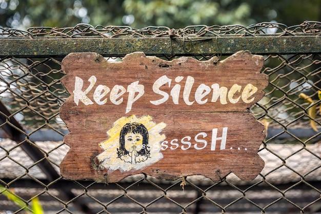 Mantenha sinal de silêncio