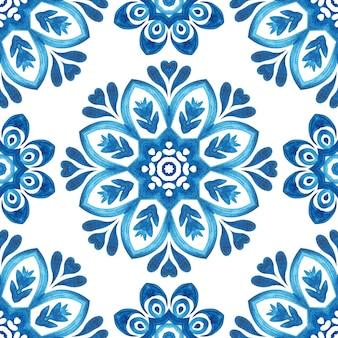 Mão abstrata desenhada aquarela telha sem costura padrão ornamental. flor de mandala elegante para tecidos e papéis de parede