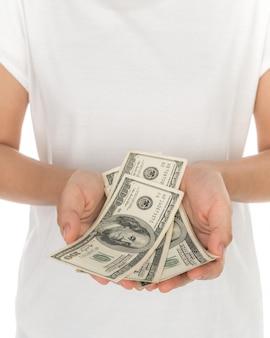 Mão com dólares isolado no fundo branco
