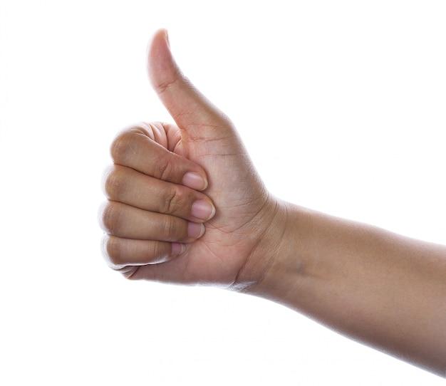 Mão com o polegar isolado acima no branco.