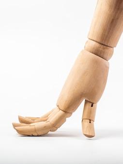 Mão de boneca de madeira em branco