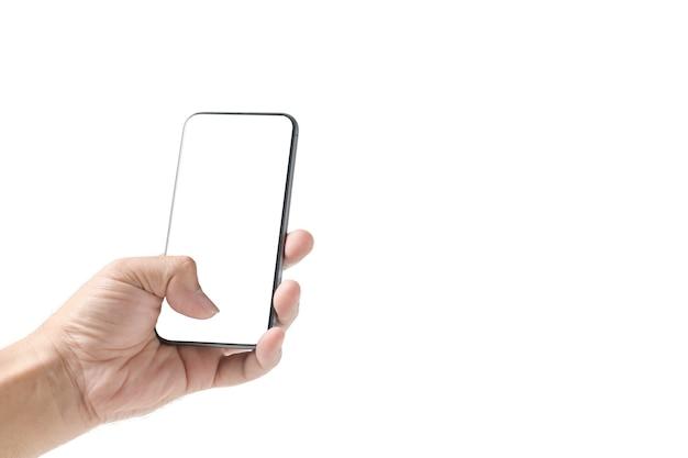 Mão de homem usando smartphone com tela branca, isolada no fundo branco