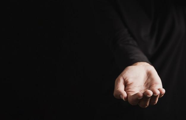 Mão de padeiro isolado close-up vista
