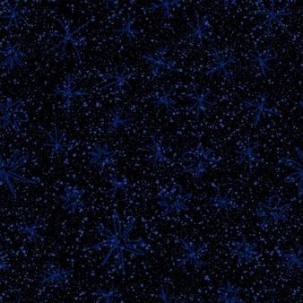 Mão desenhada flocos de neve azuis sem costura padrão de natal. flocos de neve voando sutis sobre fundo azul escuro. sobreposição de neve handdrawn de giz elegante. decoração de temporada de férias à vista.