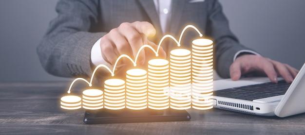 Mão masculina mostrando moedas de ilustração. o negócio. finança