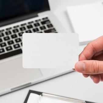 Mão, segurando, cartão negócio