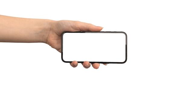 Mão segurando o celular com maquete de tela horizontalmente isolada em uma foto de fundo branco