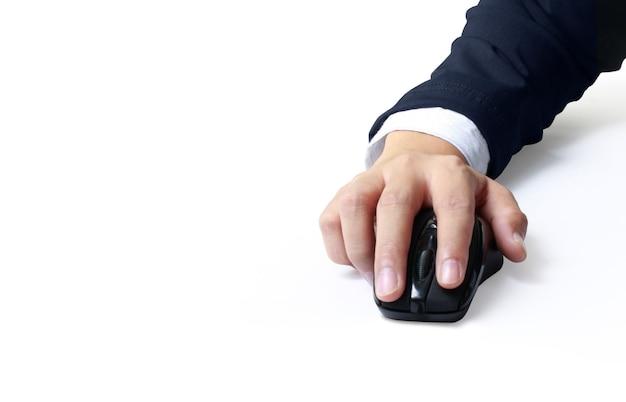 Mão segurando o mouse do computador. rede de tecnologia
