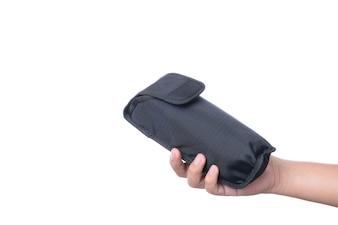 Mão segurando speedlight flash bag bolsa, um equipamento de câmera