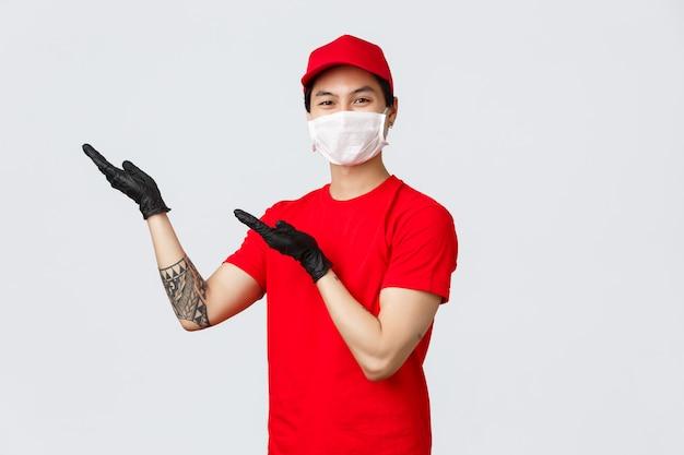 Mãos de ponto de entrega asiática jovem