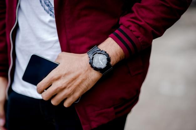 Mãos e relógios de cavalheiros