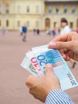Mãos fora da bolsa euro do palácio histórico