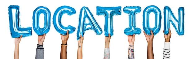 Mãos, mostrando, localização, balões, palavra