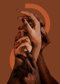 Mãos se estendendo, entrelaçadas