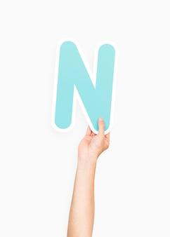 Mãos, segurando, alfabeto, n