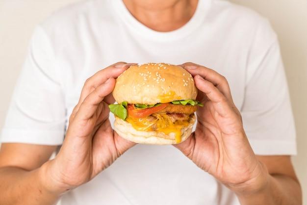 Mãos, segurando, fresco, gostosa, hambúrguer