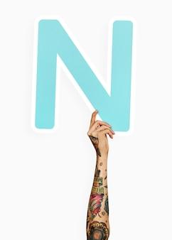Mãos, segurando, letra, n