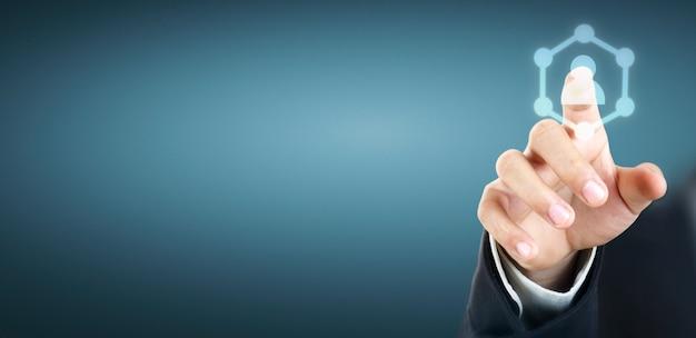 Mãos tocando a interface de tela de botão conexão global rede de clientes
