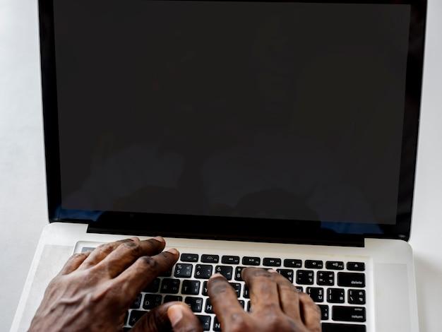 Mãos, trabalhando, digitando, ligado, laptop