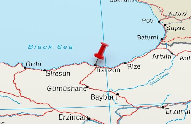 Mapa mostrando trabzon turquia com uma renderização 3d de pino vermelho