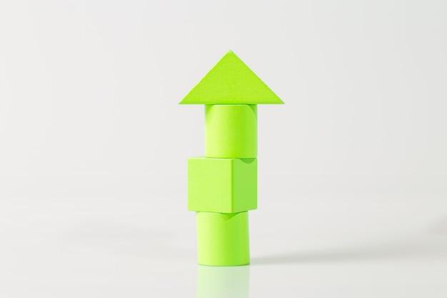 Maquete da casa de madeira (imóveis) no espaço em branco