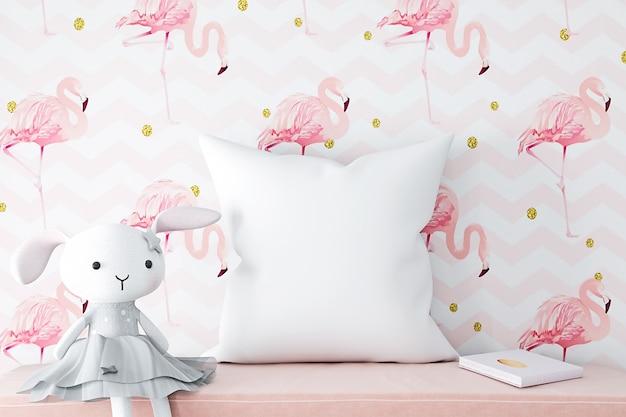 Maquete de almofada de bebê em fundo rosa