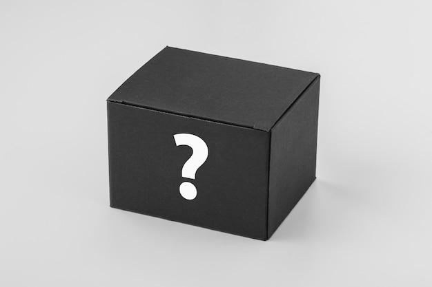 Maquete de caixa preta com sinal de interrogação