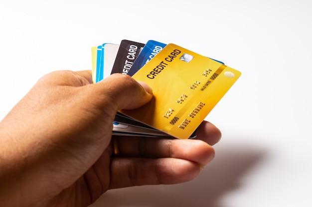 Maquete de cartões de crédito em fundo branco.