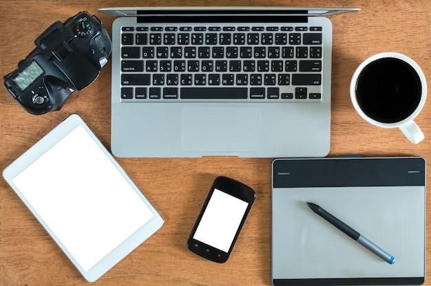 Maquete de escritório vista superior, maquete de equipamentos de tecnologia, lay plana