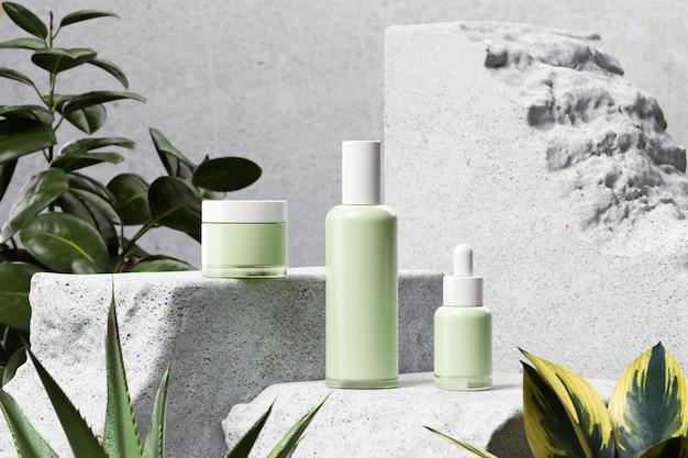 Maquete de frasco de maquiagem cosmética em fundo branco